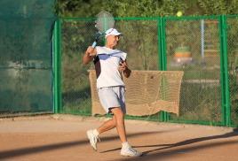 Одиночный теннисный турнир.